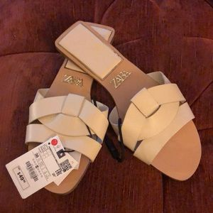 Zara Slippers new with tag